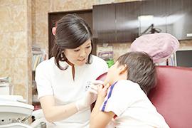 小さなお子さんの虫歯は大丈夫?予防から治療までやさしく